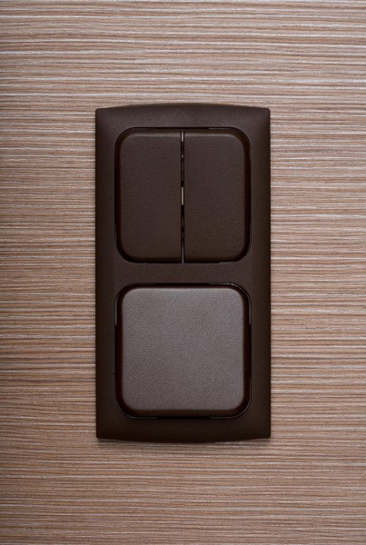 2-fach Kombination Serienschalter, Flächenschalter, Braun